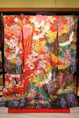 ピンクぼかし桜花に鶴