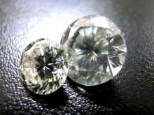 3.27ctと1.37ctのダイヤモンド