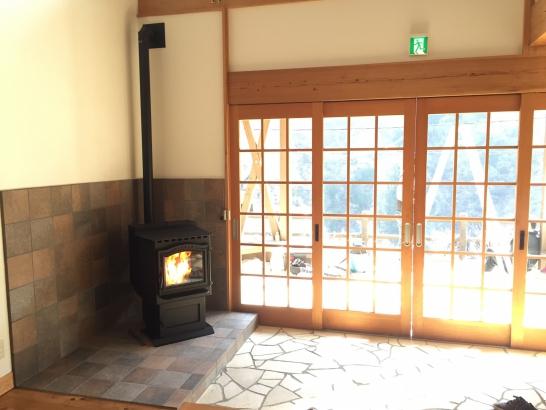 4月下旬にリニューアルオープン!ロビーでお客様を暖かくお迎えします。